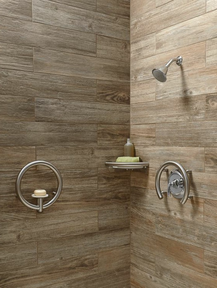 Bad Ohne Fliesen Moderne Duschkabine Mit Wandpaneele