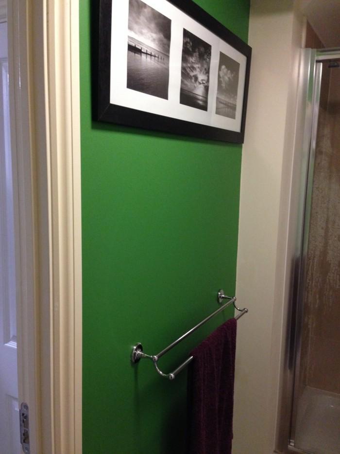 Dunklen-flur-heller-gestalten-grelle-grüne-farbe