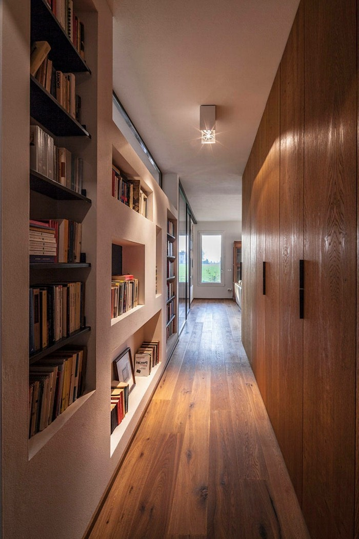 Gestaltungsideen-Flur-schränke-und-boden-voller-naturholz