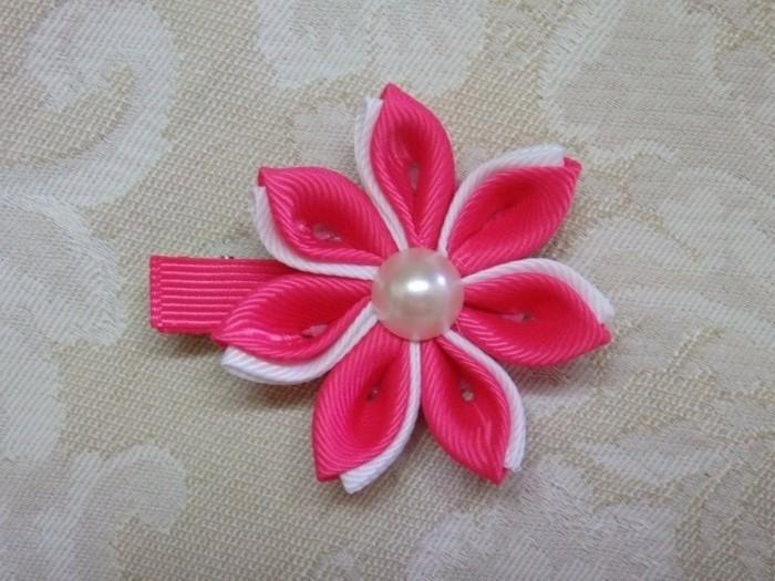 Haarspangen-kinder-niedliche-blume-in-rosa-und-weiß-mit-glasperle-in-der-mitte