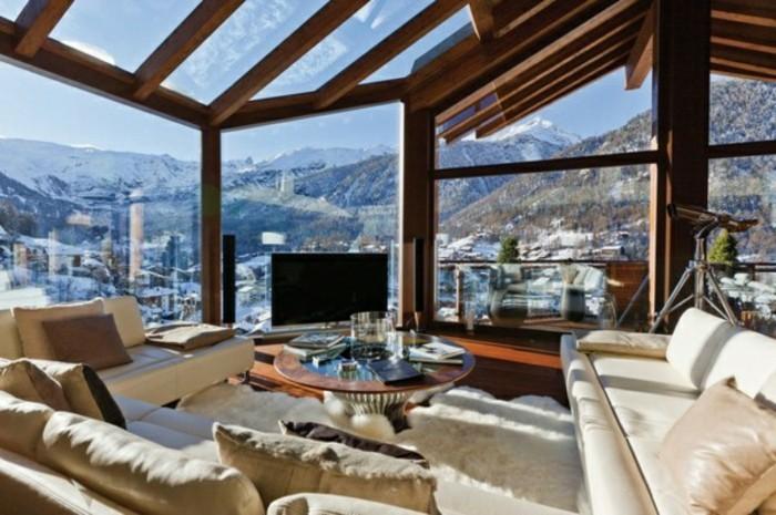 terrassen-veranda-mit-sicht-auf-die-gebirge