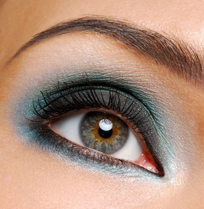 augenmakeup-bunte-augen-buntes-make-up-blau-grün-braun-augenbrauen