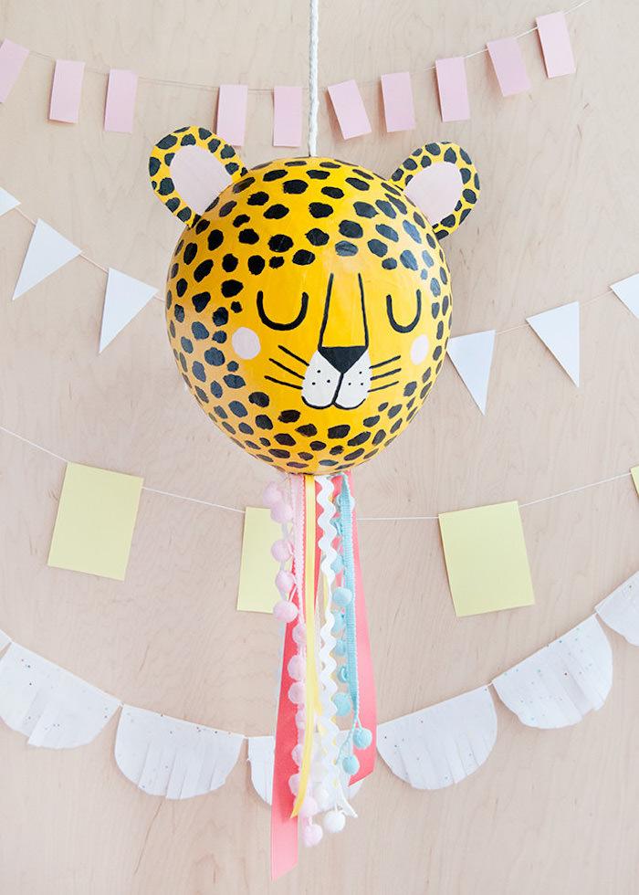 Basteln Kindergeburtstag, DIY Tiger Pinata aus Ballon, Geburtstagsdeko Ideen