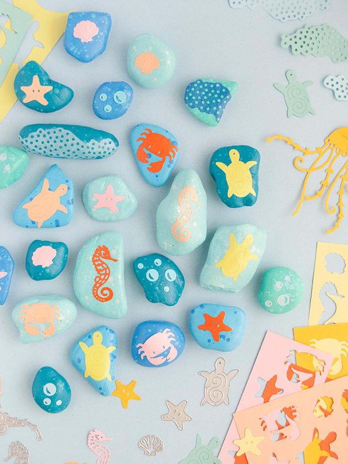 Steine bemalen und mit Meeresmotiven dekorieren, basteln mit Kindern im Sommer, Bastelideen für Kinder