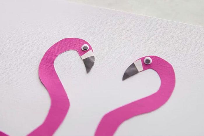 Ideen für Basteln mit Kindern im Sommer, Handabdruck Flamingos aus Papier schneiden