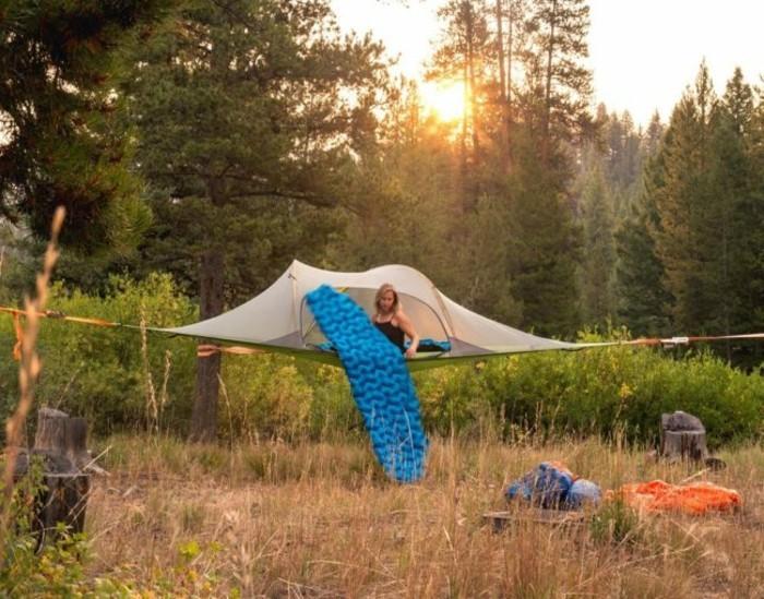 baumzelt-im-wald-idee-für-campingzelt