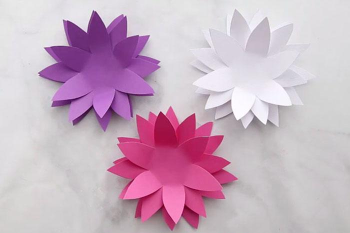 Bunte Wasserlilien aus Papier schneiden, Blumen basteln mit Kindern