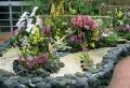 Blumenbeet mit Steinen gestalten