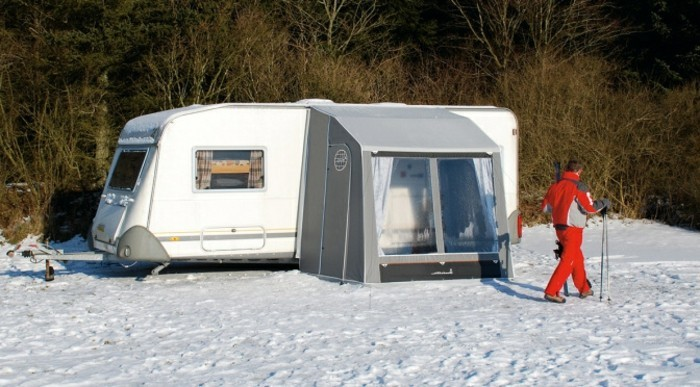 campingzubehoer-mit-vorzelt