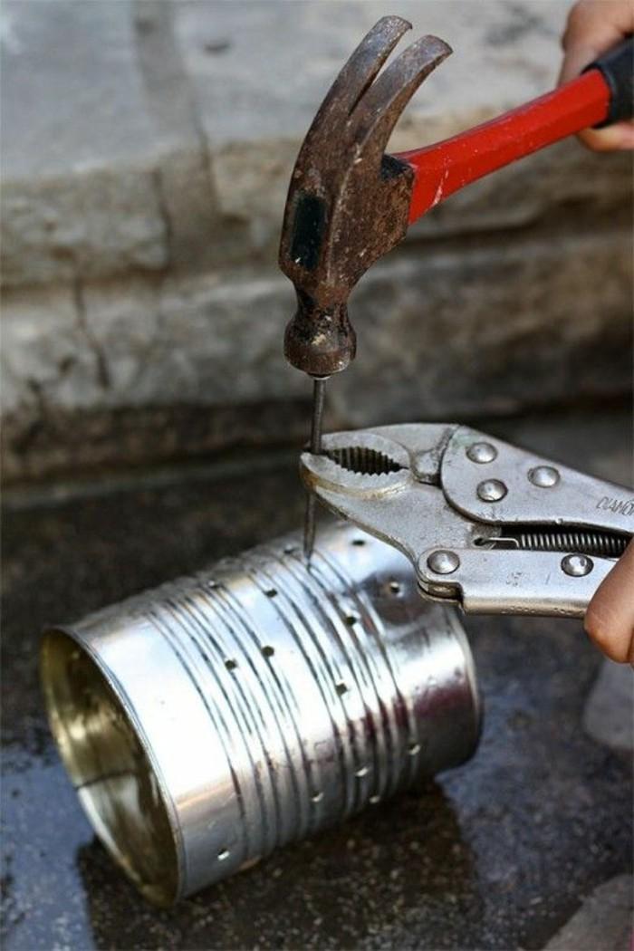 coole-sachen-basteln-konservendose-nagel-hammer-diy-bohren-dekorieren