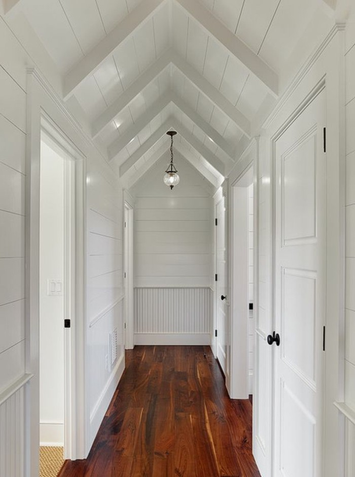 1001 ideen f r dunklen flur heller gestalten tipps und tricks - Dachwohnung gestalten ...