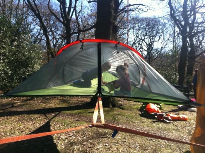 ein-schönes-campingzelt-im-wald
