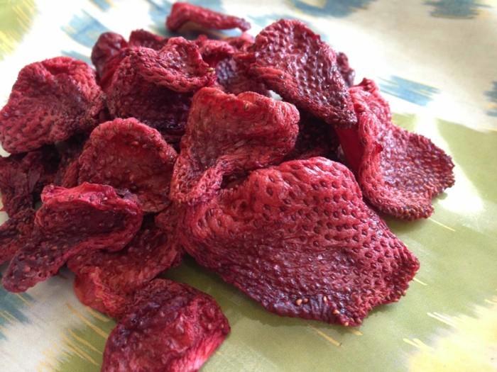 gefriergetrocknete-fruechte-gefriergetrocknete-erdbeeren