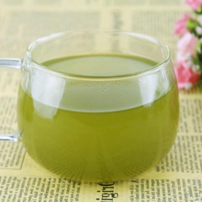 gesunde-rezepte-mit-matcha-japanischer-gruener-tee-mit-vielen-gesundheitsvorteilen-vitamine-minerale