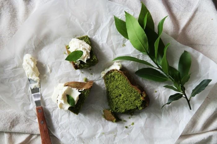 gruener-tee-matcha-glutenfreier-kuchen-mit-matcha-und-sahne-gesund-und-lecker-gesunde-ernaehrung