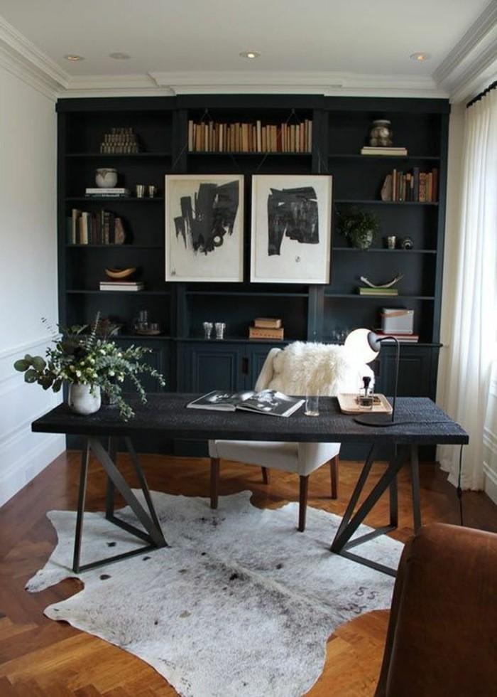 hembuero-weisser-stuhl-schwarzer-schreibtisch-teppich-schwarzer-schrank