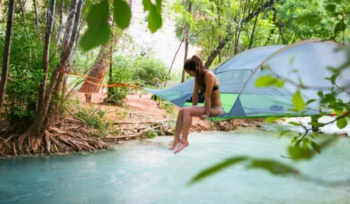 hier-ist-noch-ein-tolles-campingzelt-baumzelt-über-bergfluss