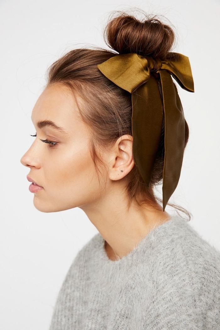 hochsteckfrisuren lange haare, lockerer dutt mit schleife, schnelle frisuren für den alltag