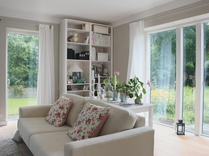 innenbereih-holzhaus-mit-veranda-raumgestaltung