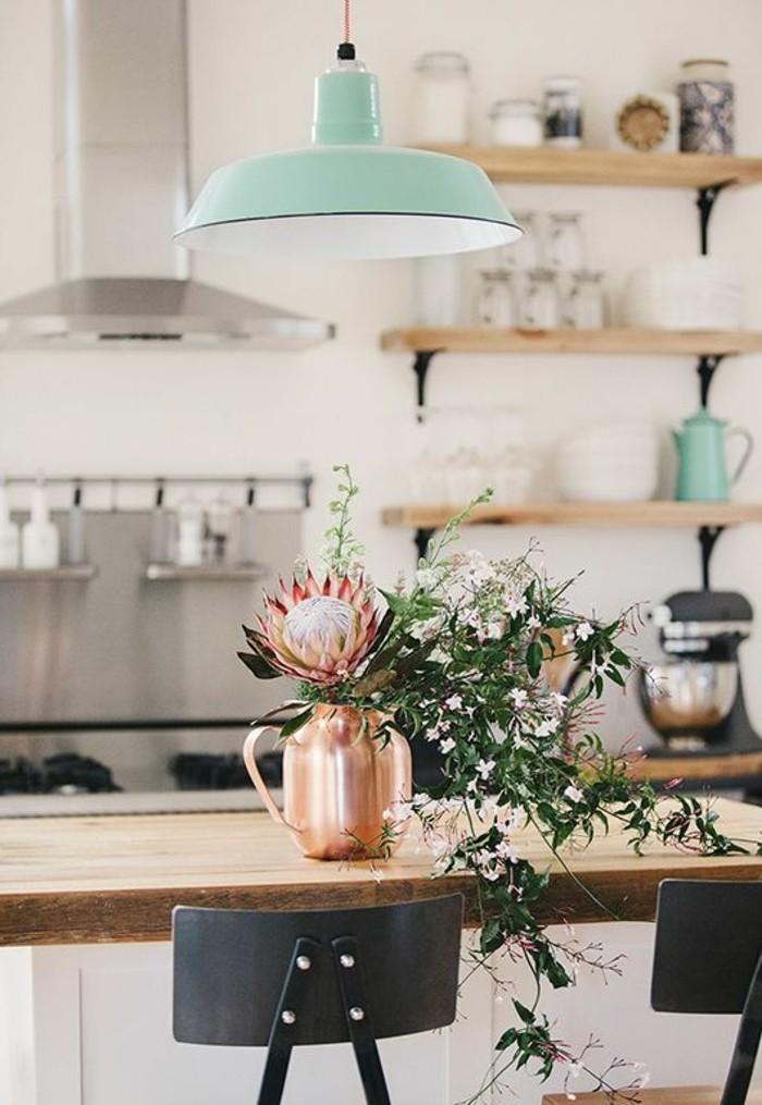 küchendekoration-hölzerne-regale-vase-lampe-blumen-asporator-tisch-gläser-ofen