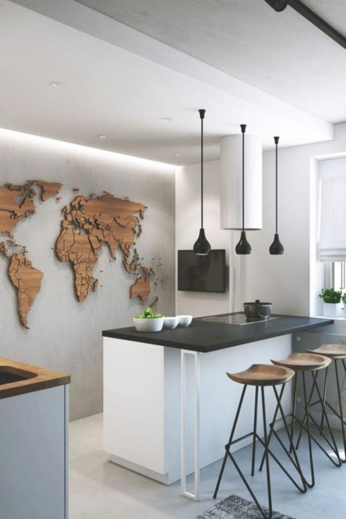 küchendekoration-wanddeko-erdteile-stühle-kücheninsel-teppich-lampen-obst-topf