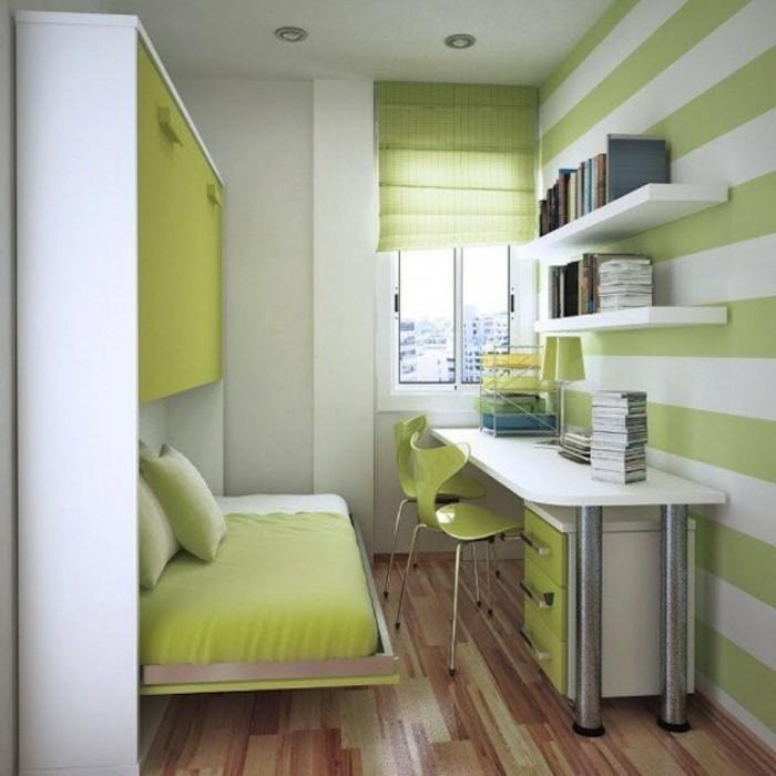 kinderzimmer-gestalten-gestreifte-tapeten-grün-weiß-weißer-schreibtisch-metallbeine-grüne-stühle-ausklappbares-bett