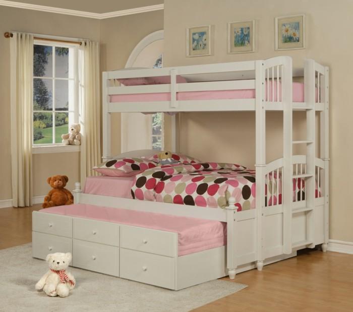 kinderzimmer-ideen-mädchenzimmer-zweistöckiges-bett-pinke-lacken-laminat-weißer-teppich