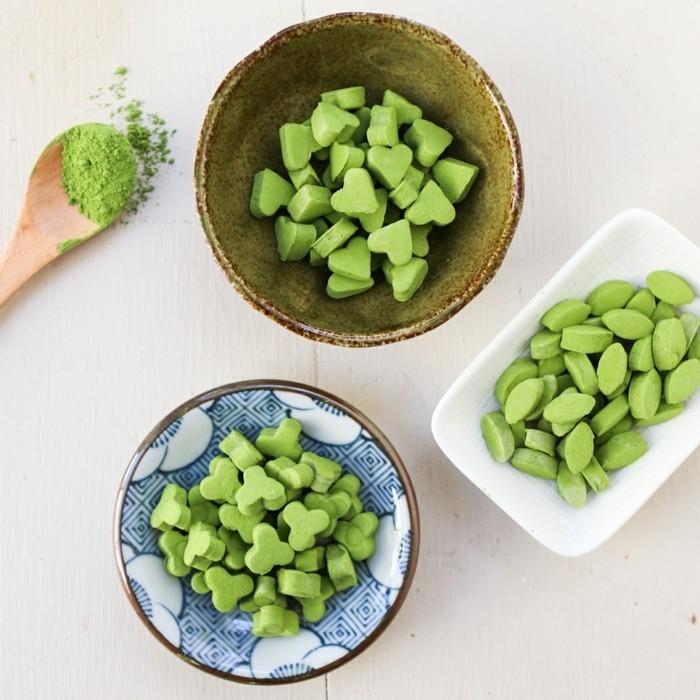 kreativ-kochen-mit-matcha-bio-caramells-aus-matcha-selber-zubereiten-zu-hause-gruene-bonbons