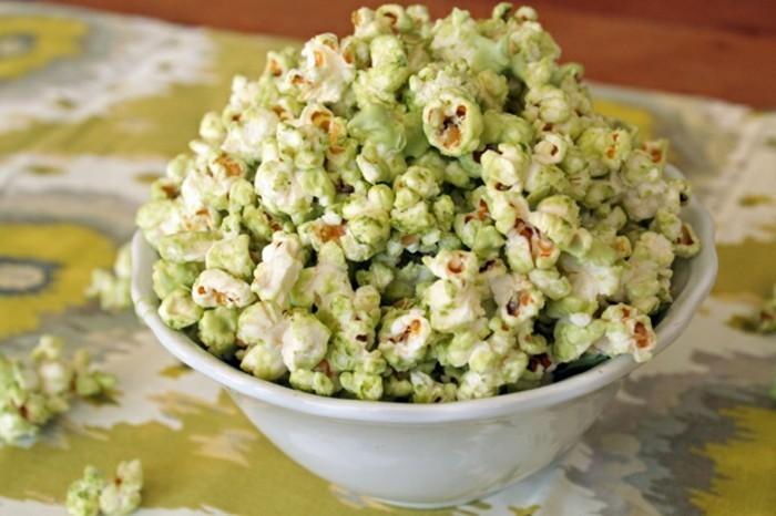 kreativ-kochen-mit-matcha-bio-pop-corn-mit-mais-matcha-und-weisse-schokolade-ueberraschung-fuer-den-geschmacksinn