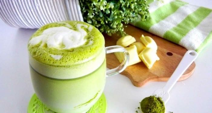 matcha-pulver-rezepte-teapuccino-mit-matcha-pulver-matcha-rezepte-ingwer-detox-idee