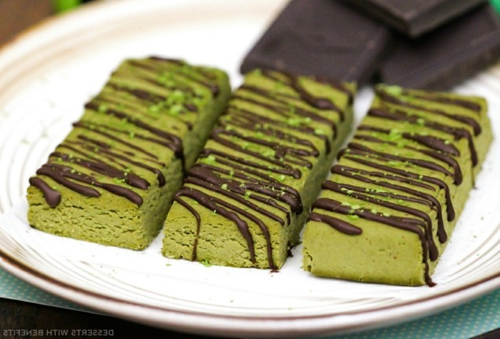 matcha-torte-matcha-energie-bombe-eiweiss-kekse-mit-matcha-und-dunkler-schokolade