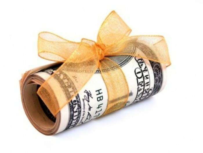 originelle-geldgeschenke-geldscheine-mit-gelber-schleife-amerikanische-dollar