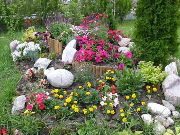 schöne-gärten-alpineum-gestalten-natursteine-holz-gartenbaum