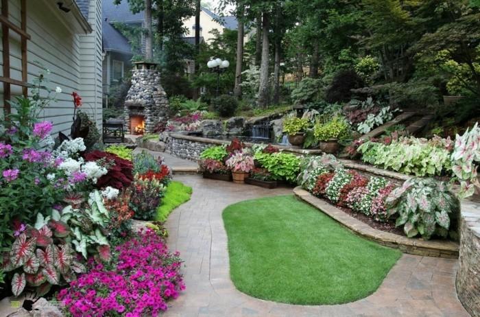 schöne-gärten-steinweg-garten-mit-feuerstelle-aus-steinen-waldübergang-bäume