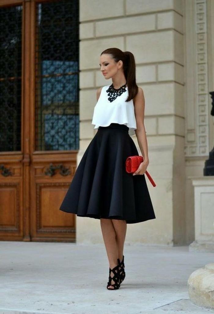 schicke-kleider-rote-tasche-schwarzer-rock-weisse-bluse-schwarze-halskette-schuhe-mit-hohen-absaetzen