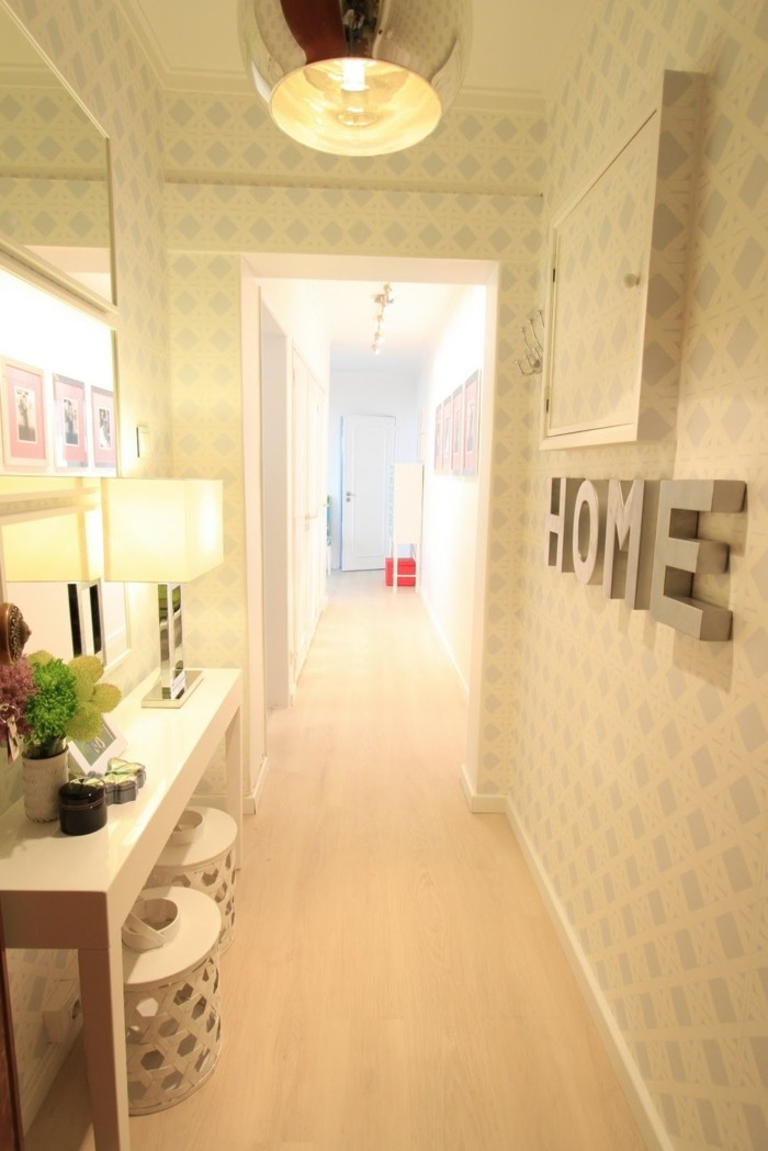 1001 schmaler flur ideen zur optimaler einrichtung. Black Bedroom Furniture Sets. Home Design Ideas