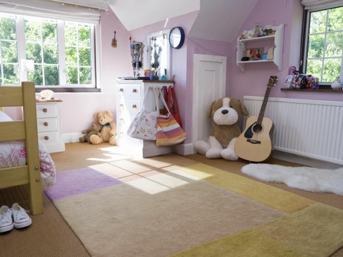 spielzimmer ideen kinderzimmer einrichten breites kinderzimmer für mädchen rosa holz bodedekung teppich