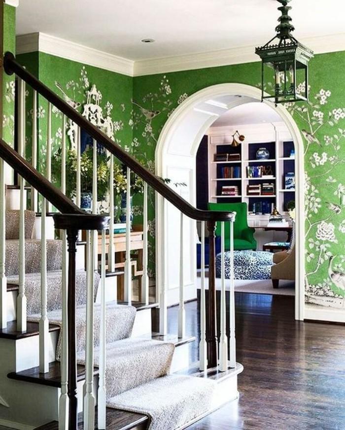 tapete-ideen-für-flur-grüne-farben-vögelchen-und-frühlingszweigen