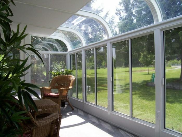 veranda-verglasung-wintergarten-erholungsort-sitzecke