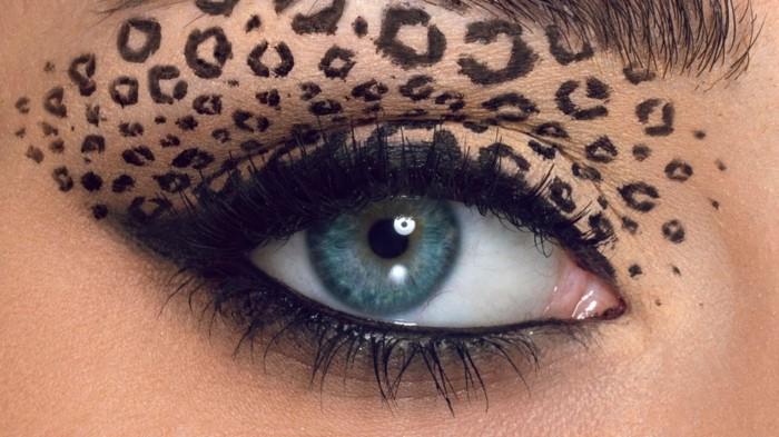 wie-schminke-ich-meine-augen- party-look-fuer-halloween-leo-lidschatten-effekt-make-up-frauen