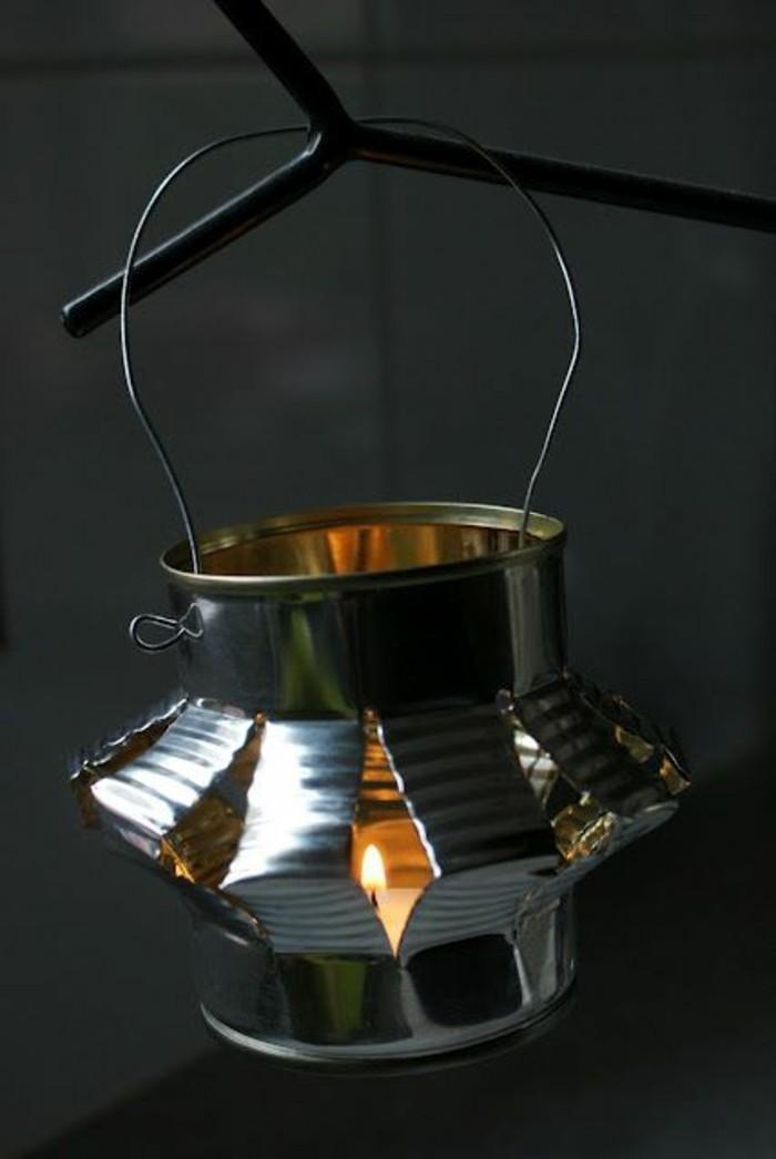 windlichter-aus-dosen-kerze-kerzenhalter-diy-licht-selber-machen-konservendose