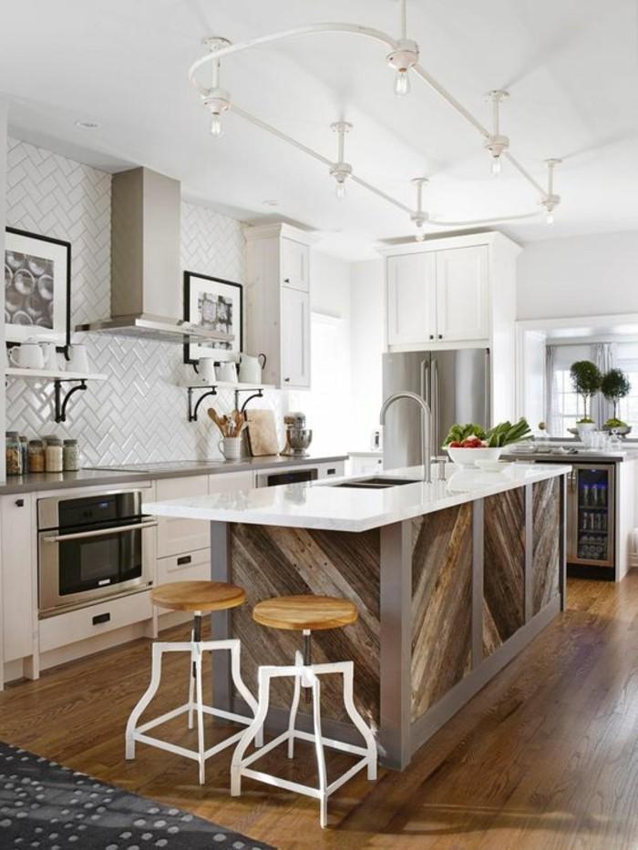 wohnbeispiele-kücheninsel-aspirator-lampe-ofen-pflanzen-boden-aus-holz-bilder