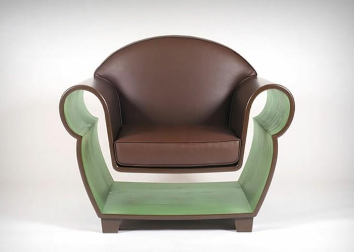 wohnungseinrichtungen-hollow-chair-hohler-sessel-leder-bücher