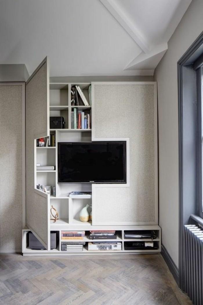 10-qm-zimmer-einrichten-fernsehschrank-mit-türen-eingebaute-regale-parkettboden