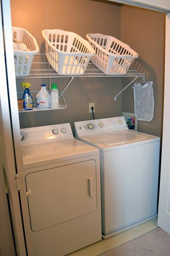 10-qm-zimmer-einrichten-waschraum-waschmaschine-trockner-spülmittel-regale