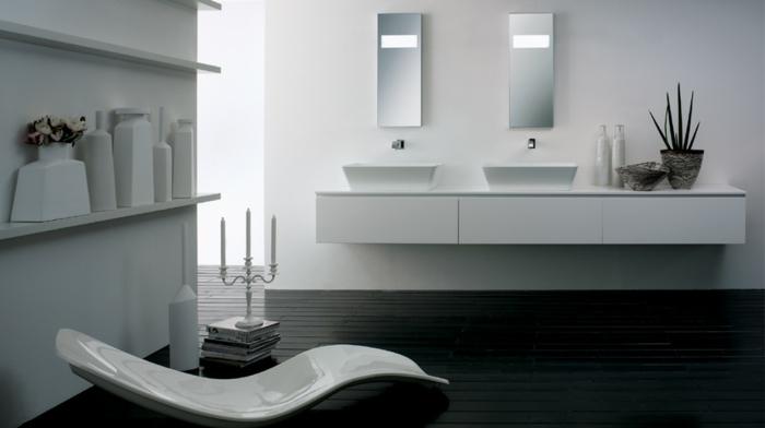 wellnessprozeduren-modernes-badezimmer-badmöbel-zwei-waschbecken-badstuhl-weiße-einrichtung