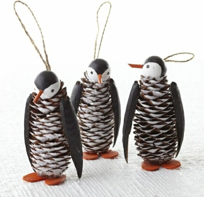Deko-tannenzapfen-wie-pinguins-mit-bänder-zum-aufhängen