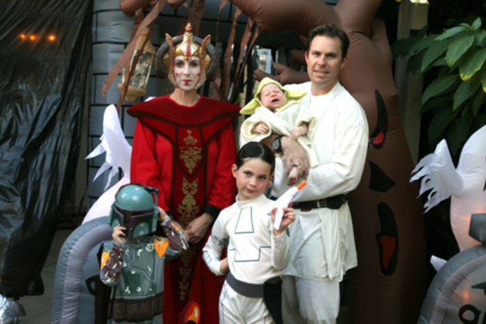 Kostüm Gruppe von Star Wars mit Baby als Yoda