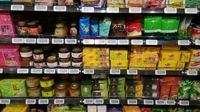 Preisauszeichner-und-Etiketten-im-supermarkt