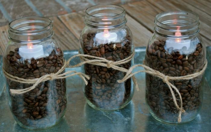 Gläser verzieren - Kaffee und Kerzen in der Mitte